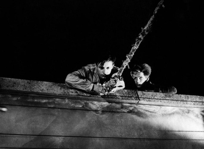 1956-un-condamne-a-mort-sest-echappe-un-condenado-a-muerte-se-ha-escapado-foto-011