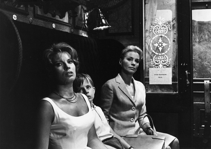 gunnel-lindblom-jorgen-lindstrom-and-ingrid-thulin-in-tystnaden-1963