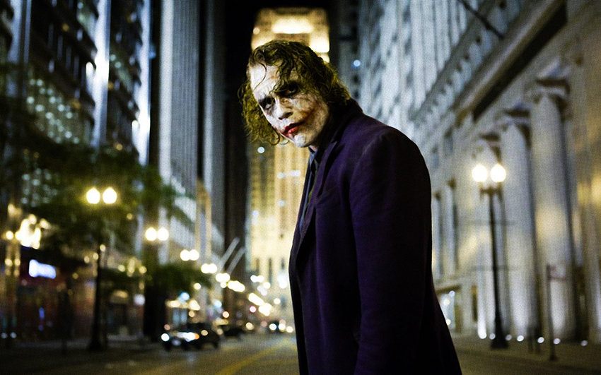 heath-ledger-caracterizando-el-personaje-de-el-joker-en-the-dark-knight-2008