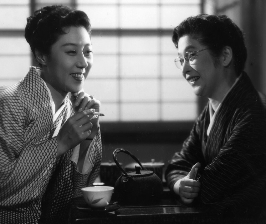 flowing-1956-001-relaxing-tea-smoking-scene-00n-fmd