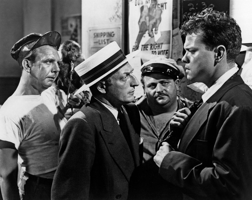 lady-from-shanghai-the-1948-015-gus-schilling-monkey-everett-sloane-orson-welles-00n-pkr