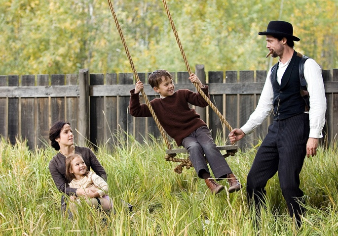 THE ASSASSINATION OF JESSE JAMES BY THE COWARD ROBERT FORD, Mary-Louise Parker, Brooklyn Proulx, Dus
