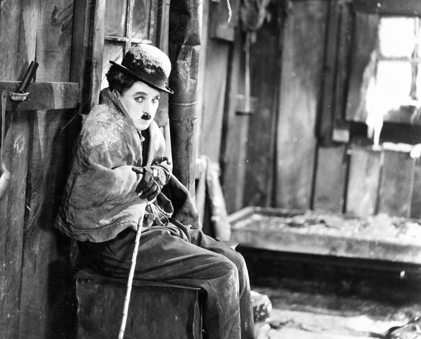 gold-rush-the-1925-004-charles-chaplin-bfi-00m-lki