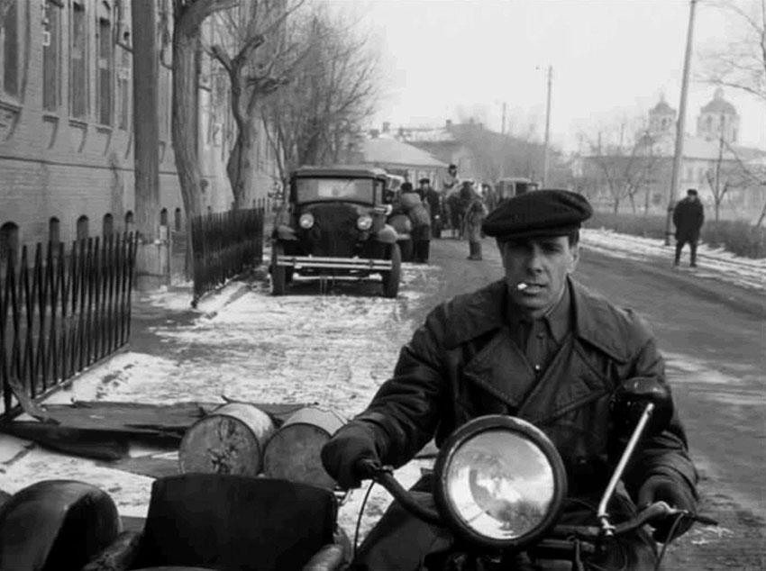 Luchshie-filmyi-v-retsenziyah-Moy-drug-Ivan-Lapshin-Moy-drug-Ivan-Lapshin-1985-3